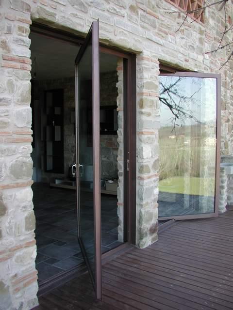 Palladio esempi ferro for Finestre a bilico verticale